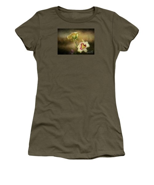 Women's T-Shirt (Junior Cut) featuring the photograph The Find by Mim White