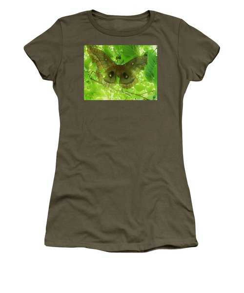 The Fourth Day-a Dying Giant.. Women's T-Shirt