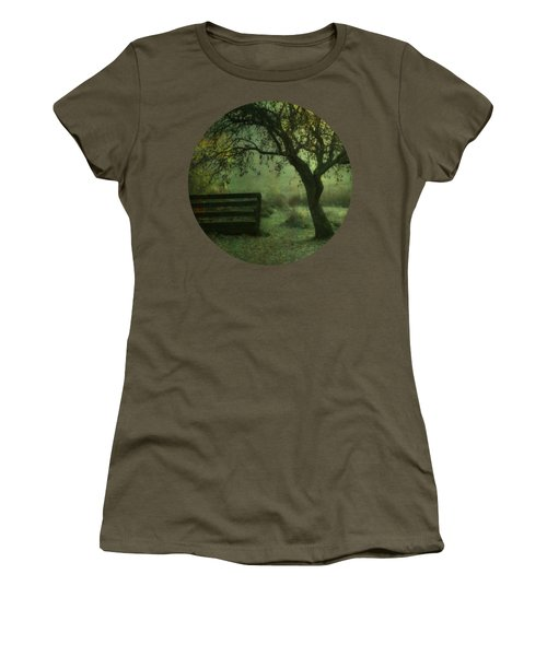The Old Apple Tree Women's T-Shirt