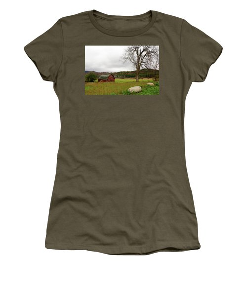 The Old Barn With Tree Women's T-Shirt