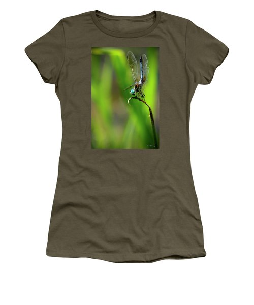 Women's T-Shirt (Junior Cut) featuring the photograph The Performer Dragonfly Art by Reid Callaway