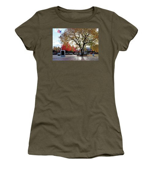 The Washington Elm Women's T-Shirt