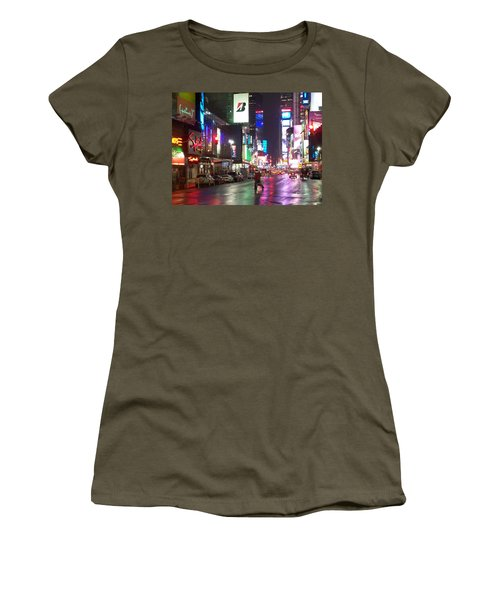 Times Square In The Rain 2 Women's T-Shirt