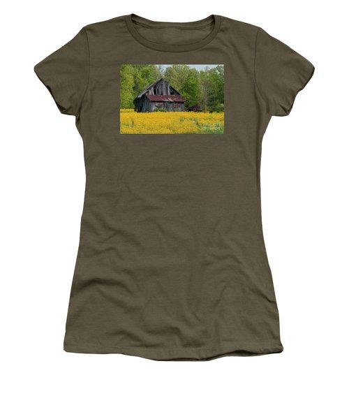 Women's T-Shirt (Junior Cut) featuring the photograph Tired Indiana Barn - D010095 by Daniel Dempster