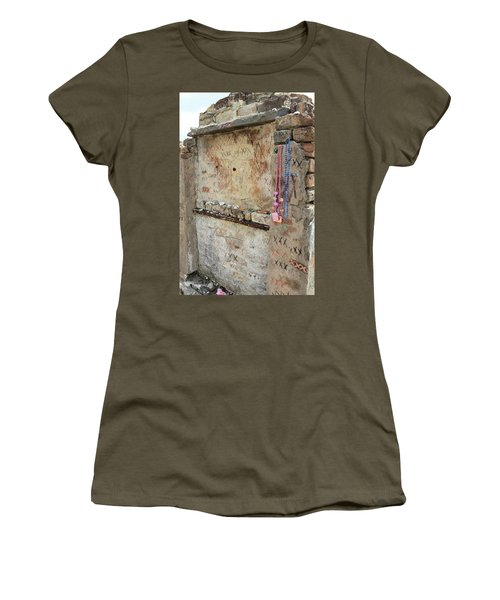 Tomb Of The Unknown Voodoo Priestess Women's T-Shirt