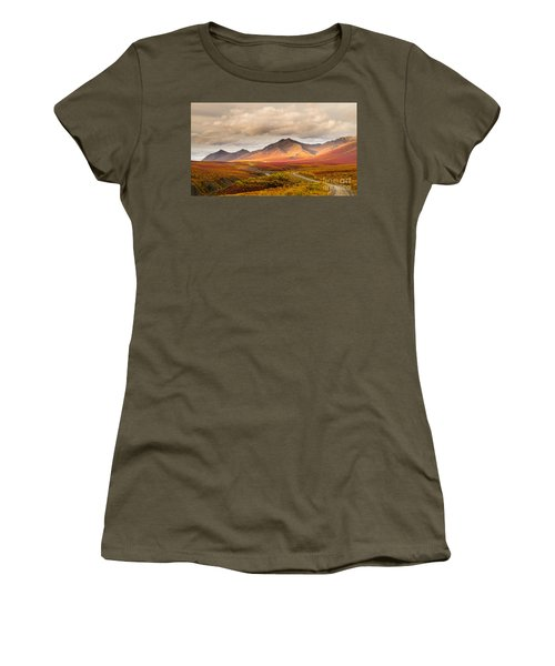Tombstone Territorial Park Yukon Women's T-Shirt (Athletic Fit)