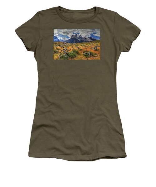 Torres Del Paine 18 Women's T-Shirt (Athletic Fit)