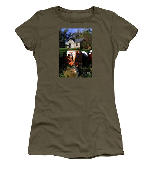 Tractor And Shed Women's T-Shirt (Athletic Fit)