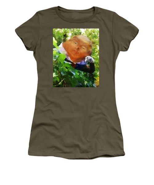 Trumpty Dumpty San On A Wall Women's T-Shirt