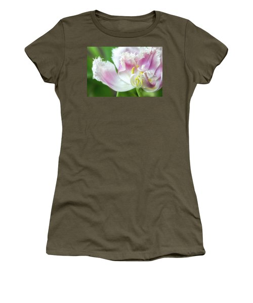 Tulip Leaving Women's T-Shirt (Athletic Fit)