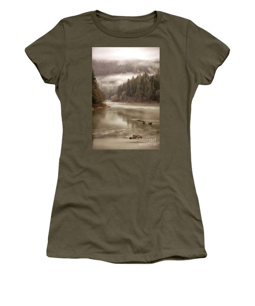 Umpqua River Fog Women's T-Shirt (Athletic Fit)