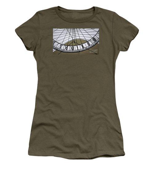 Vertical Sundial - Vertikale Sonnenuhr Women's T-Shirt