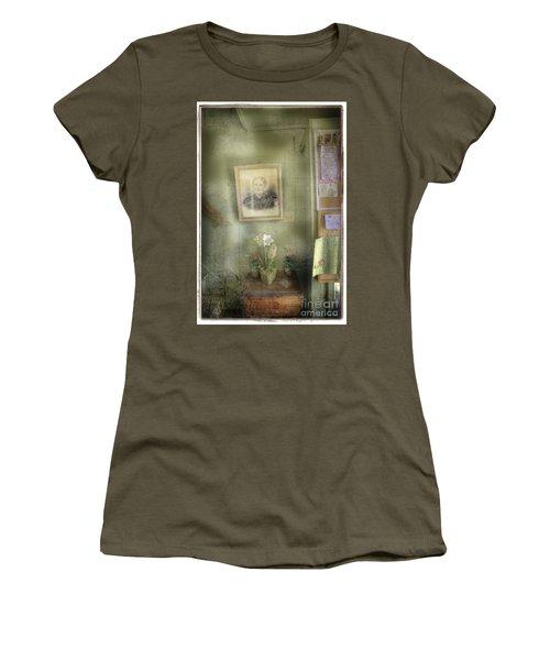 Vinalhaven Mother Women's T-Shirt