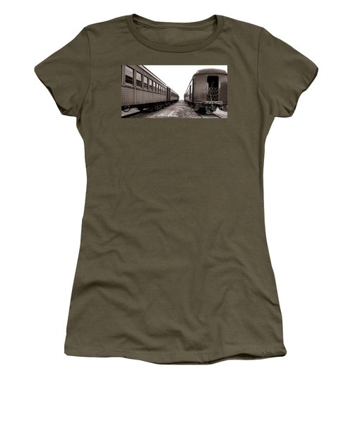 Vintage Travel  Women's T-Shirt