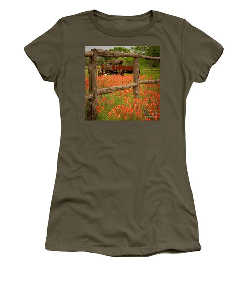 Wagon In Paintbrush - Texas Wildflowers Wagon Fence Landscape Flowers Women's T-Shirt (Athletic Fit)
