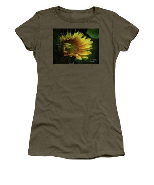 Waiting For A Hummingbird Women's T-Shirt