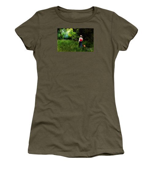 Walking Women's T-Shirt (Athletic Fit)