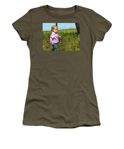 Wandering 3 Women's T-Shirt (Athletic Fit)