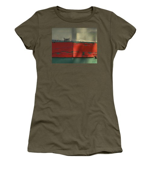 Watchful Cat Women's T-Shirt