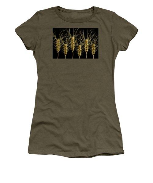 Wheat In A Row Women's T-Shirt