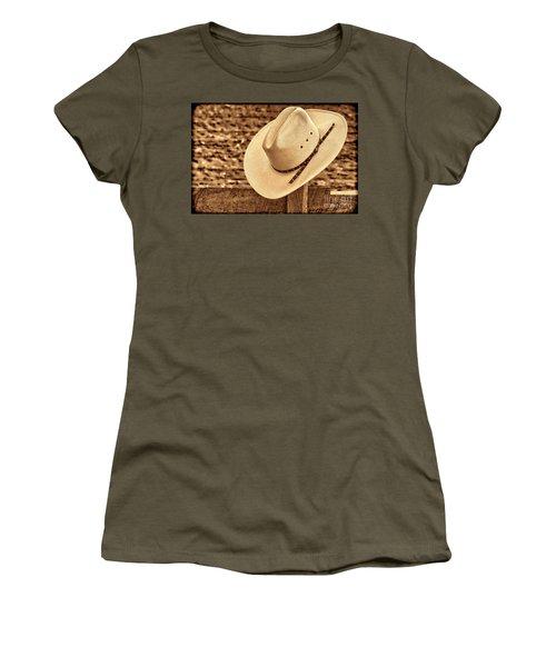 White Cowboy Hat On Fence Women's T-Shirt