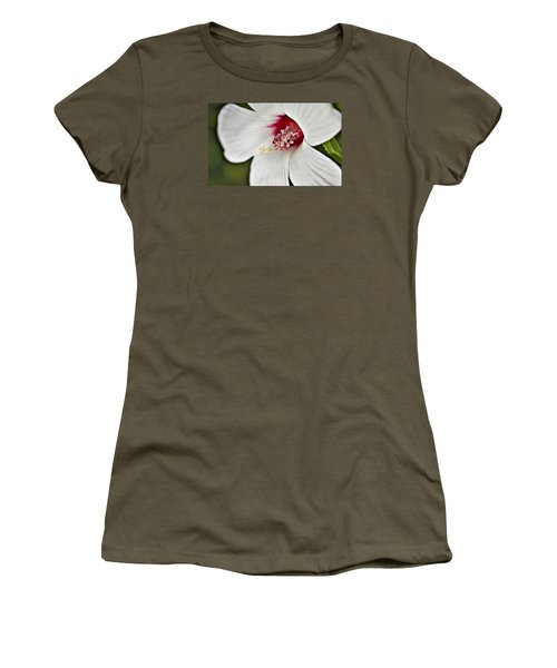 Wild Hibiscus Moscheutos_2a Women's T-Shirt (Athletic Fit)