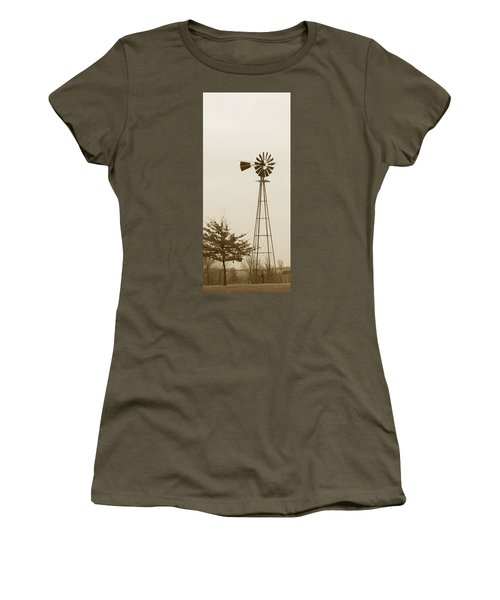Windmill #1 Women's T-Shirt (Athletic Fit)
