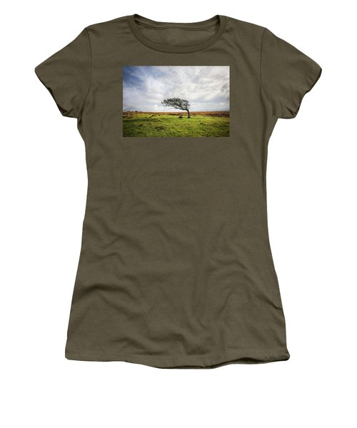 Windswept Tree Women's T-Shirt (Athletic Fit)