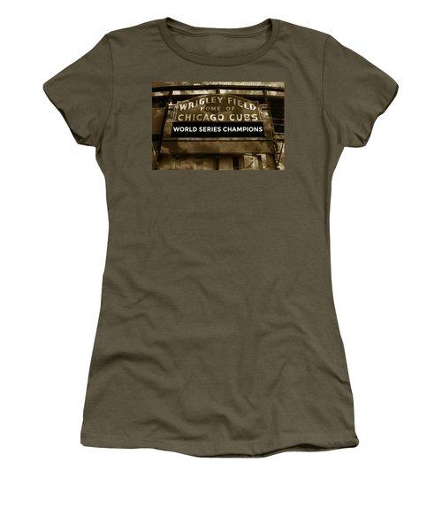 Wrigley Field Sign - Vintage Women's T-Shirt