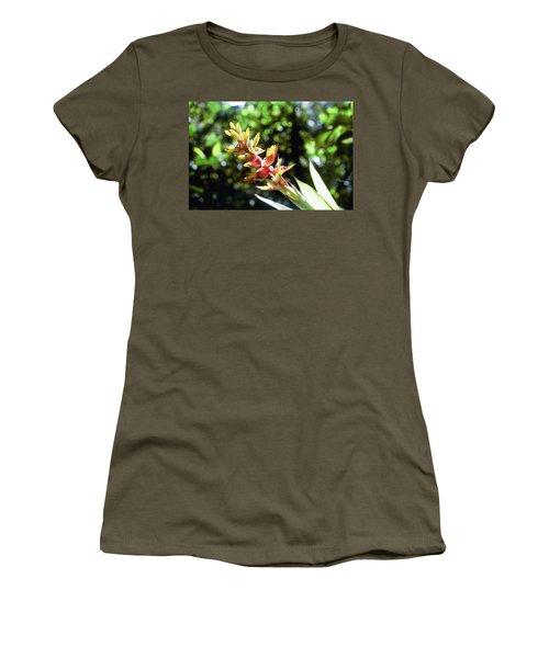 Yado Women's T-Shirt