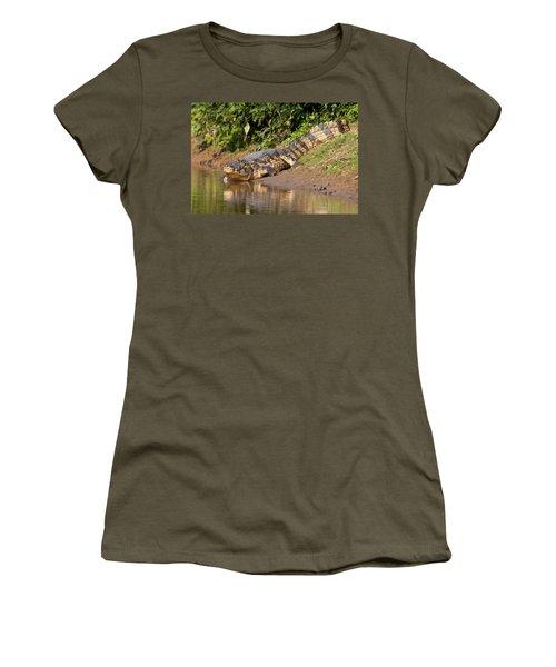 Alligator Crawling Into Yakuma River Women's T-Shirt