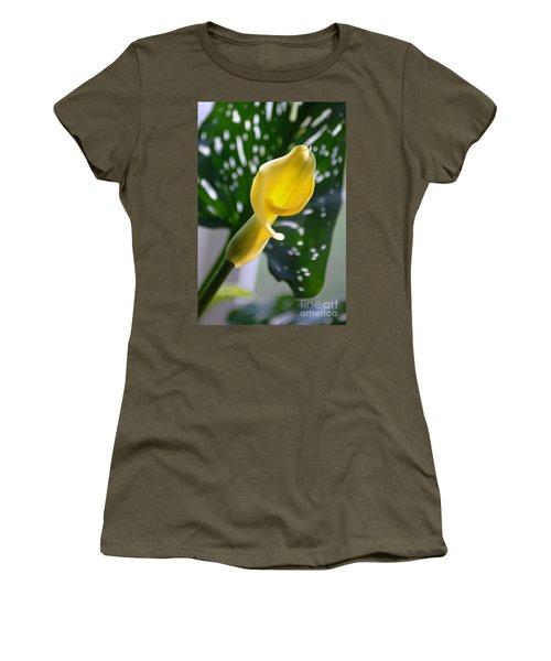 Yellow Mini Calla Lilies Women's T-Shirt