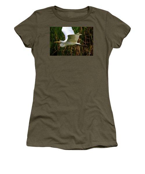 Snow White In Flight Women's T-Shirt
