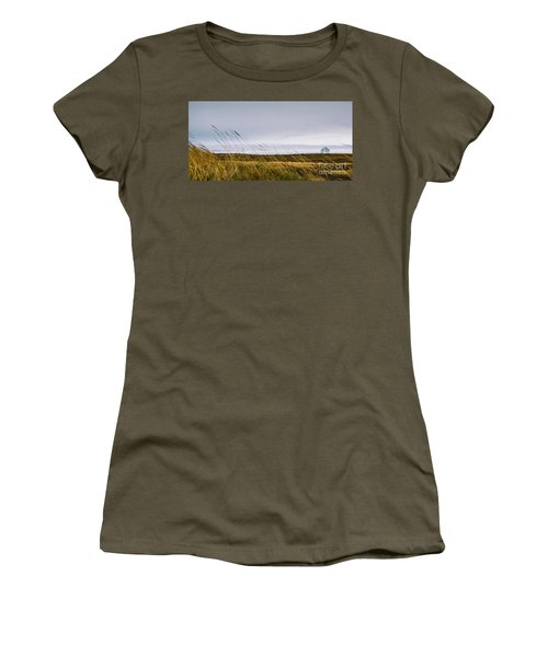 Beautiful Panoramic Photos Of Icelandic Landscapes That Transmit Beauty And Tranquility. Women's T-Shirt