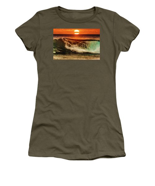 Ahh.. The Sunset Wave Women's T-Shirt