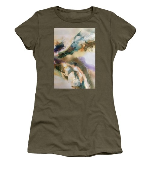 Aint No Mountian High Enough Women's T-Shirt