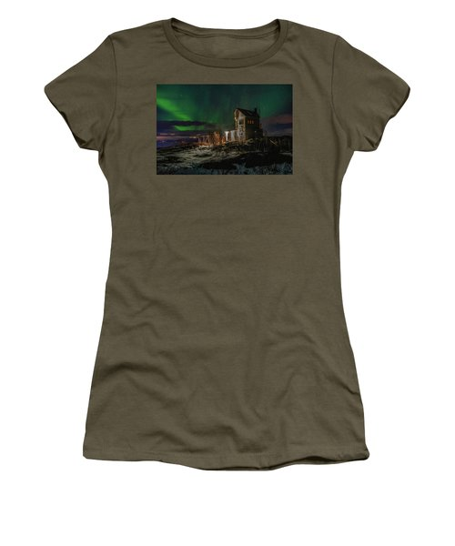 Aurora Over The Radio Station Women's T-Shirt