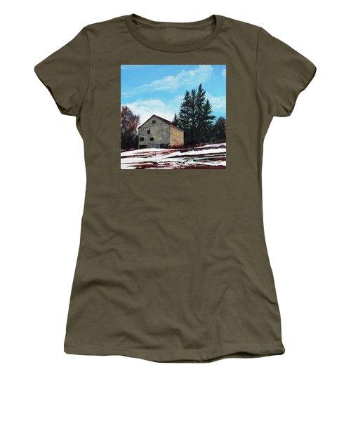 Barn Harlow, Ma Women's T-Shirt