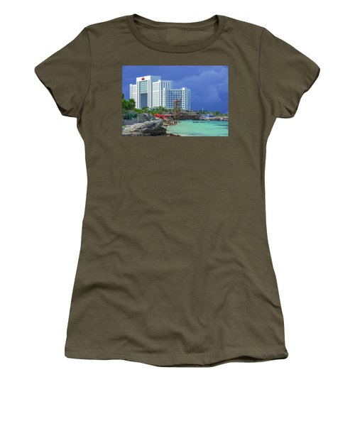 Beach Life In Cancun Women's T-Shirt