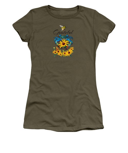 Bee Grateful Blue Crab With Black Eyed Susan Flowers Women's T-Shirt