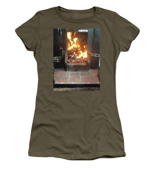 Cosy Winter Fire Women's T-Shirt