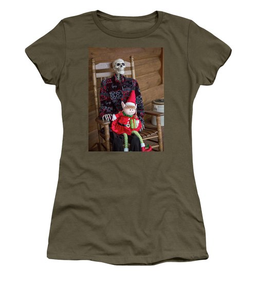 Country Christmas Greeters Women's T-Shirt
