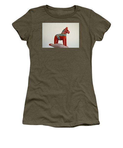 Dala Horse Women's T-Shirt