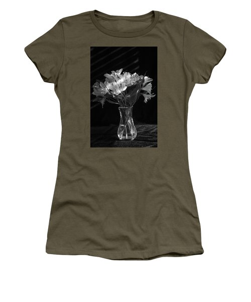 Dramatic Flowers-bw Women's T-Shirt