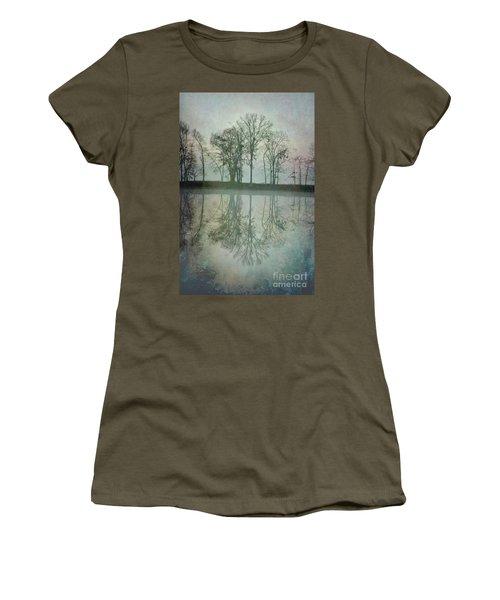 Dramatic Reflection Women's T-Shirt