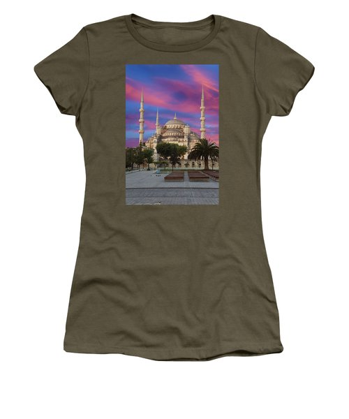 Early Morning Light On  Sultan Ahmet Camii Women's T-Shirt