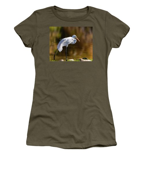 Egret Yoga Women's T-Shirt