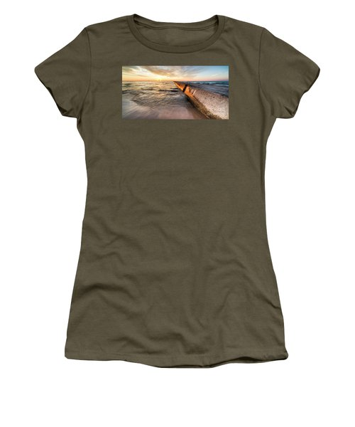 Frankfort Pier Sunset 2x1 Women's T-Shirt