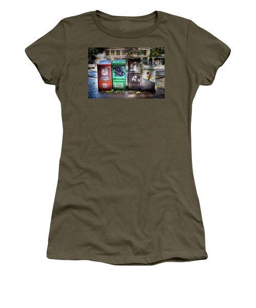 Gastown Street Newsstand Women's T-Shirt
