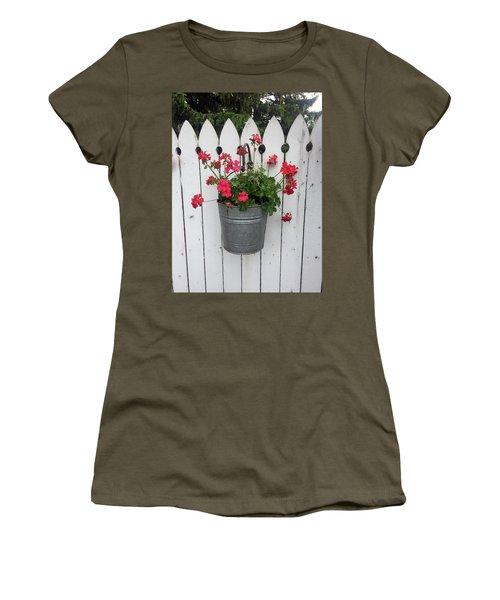 Geranium Gate Women's T-Shirt